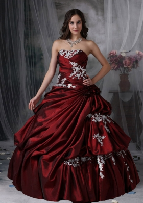 Appliques Burgundy Strapless Ruched Taffeta Quinceanera Dress