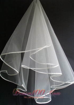 Simple and Elegant Tulle Wedding Veils