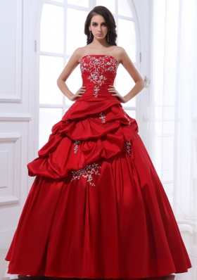 Red A-line Pick-ups Sweet Quinceanera Dresses with Appliques