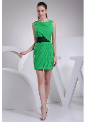 Pretty Spring Green Bateau Neck Mini Prom Dress with Appliques