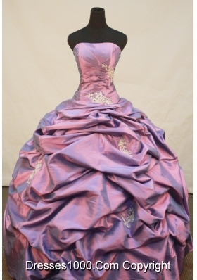 Pretty Ball Gown Strapless Floor-Length Orangza Purple Appliques Quinceanera Dress