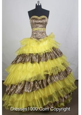 Unique Ball gown Sweetheart-neck Chapel Train Quinceanera Dresses