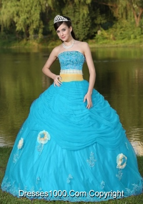 2014 Lovely Tulle Strapless Aqua Blue Quinceanera Dress For Girl With Flower Beaded