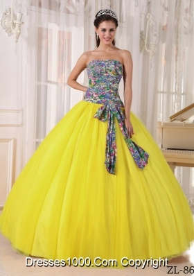 Yellow Strapless Printing Sequined Sweet 15 Dresses with Bow Knot