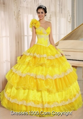 Hand Made Flowers One Shoulder Appliques and Ruffled Layers For Quincenera Dresses