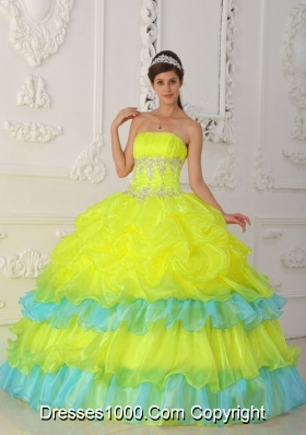 Strapless Organza Yellow Quinceanera Dresses with Beading and Pick-ups