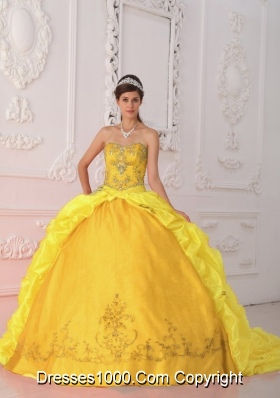 Sweetheart Yellow Court  Train Quinceanera Dress with Beading and Embroidery