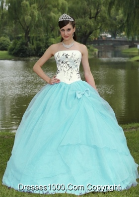Embroidery Decorate Baby Blue Quinceanera Dress With Strapless Skirt