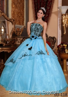 2014 Colourful Ball Gown Strapless Embroidery Quinceanera Dress with Hand Made Flower