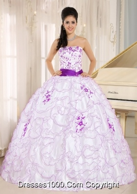 Organza Strapless White Puffy Quinceaneras Dress with Purple Embroidery