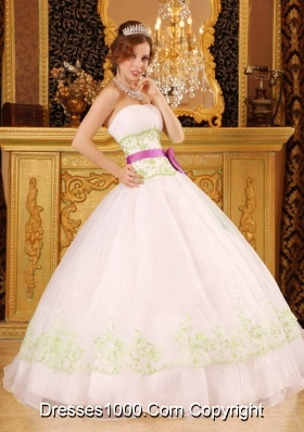 Strapless Appliques White Sweet Sixteen Dresses with Green Embroidery
