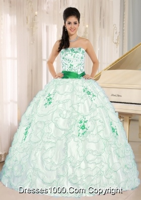 White Organza Strapless Quinceanera Gown Dresses with GreenEmbroidery and Ruffles