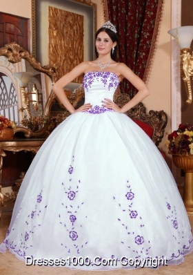 Puffy Strapless Organza White Quinceanera Dress with Purple Embroidery
