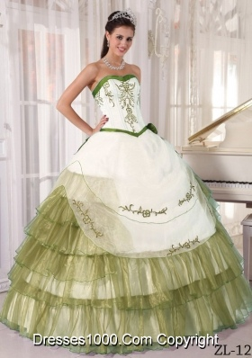 Sweetheart Yellow Green Embroidery for White Quince Dresses