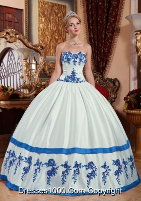 White Puffy Sweetheart Blue Appliques Dresses For a Quince