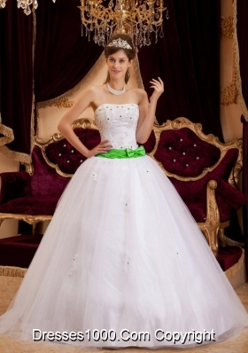 White Strapless Princess Quinceanera Gown Dresses with Appliques and Bowknot