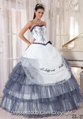 Puffy Sweetheart Organza Quinceanera Dress with Gray Embroidery