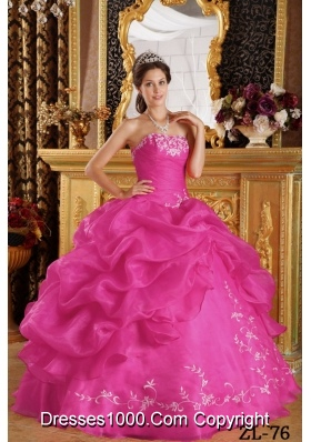 2014 Hot Pink Ball Gown Strapless Pretty Quinceanera Dresses with Embroidery