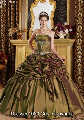 2014 Puffy Strapless Pick-ups Quinceanera Dresses with Appliques