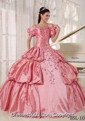 Popular Off The Shoulder Short Sleeves Pick-ups Embroidery Quinceanera Dress
