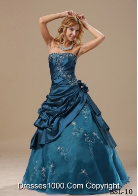 Princess Strapless Embroidery and Hand Made Flowers For Quinceanera Dresses