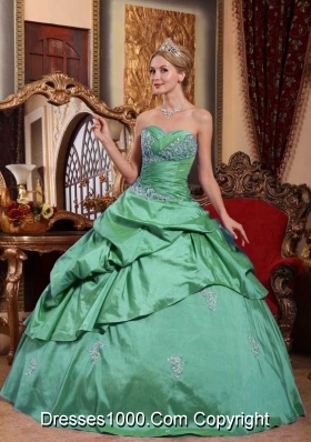 Sweetheart Turquoise Sweet 15 Dresses with Beading and Pick-ups
