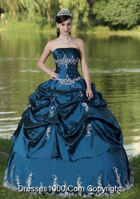 Custom Made Blue Quinceanera Dresses Party Wear With Satin Embroidery Decorate