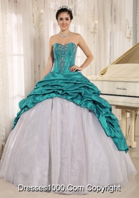 Luxurious Teal Quinceanera Dress With Embroidery Sweetheart Pick-ups for 2014