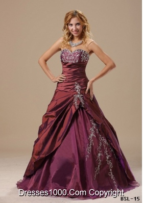 Sweetheart Burgundy Quinceanera Dresses with Appliques and Pick-ups