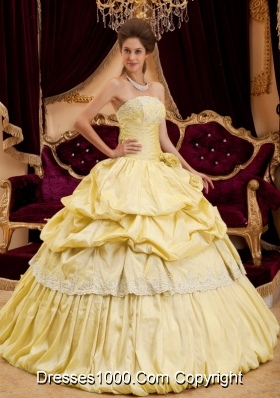 Beautiful Strapless Taffeta Yellow Sweet 16 Dresses with Appliques