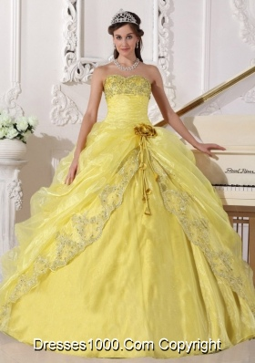 Yellow Organza Quinceanera Gowns with Embroidery and Beading