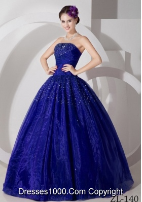 2014 Elegant Princess Sweetheart with Ruching and Beading Quinceanera Gowns