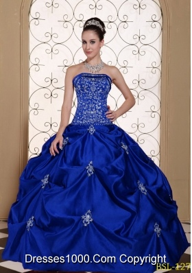 2014 Popular Embroidery Strapless Modest Quinceanera Dresses with Pick-ups