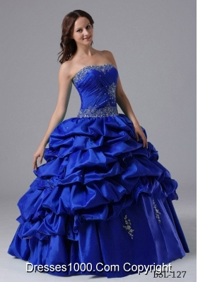 2014 Puffy Strapless Pick-ups Quinceanera Dresses With Beading and Ruching