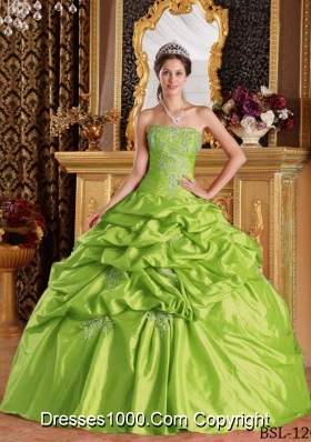 2014 Puffy Strapless Spring Green Quinceanera Dresses with Appliques
