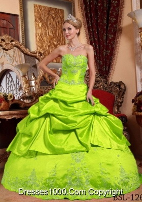 2014 Puffy Sweetheart Embroidery with Beading Quinceanera Gowns