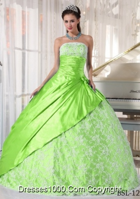 Affordable Strapless Lace Quinceanera Dresses in Spring Green