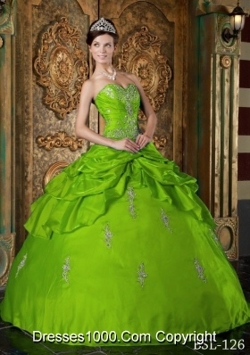 Appliques Puffy Spring Green Quinceanera Gowns with Sweetheart