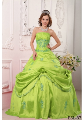 Cheap Princess Strapless Beading and Appliques Quinceanera Dresses