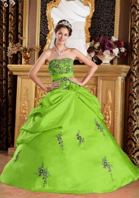 Puffy Strapless Embroidery Quinceanera Dresses in Spring Green