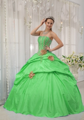 2014 Puffy Strapless Beading and Hand Flowers Sweet 16 Dresses