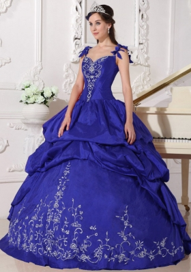 2014 Royal Blue Straps Quinceanera Dresses with Embroidery