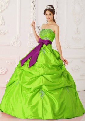 Cheap Spring Green Strapless Beading and Sashes Puffy Quinceanera Dresses
