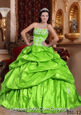 Spring Green Strapless Taffeta Appliques Puffy Long Quinceanera Gowns