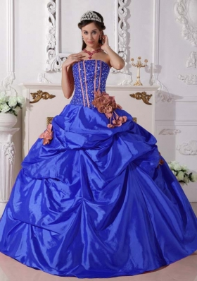 2014 Puffy Strapless Pick-ups and Hand Made Flowers Quinceanera Dresses