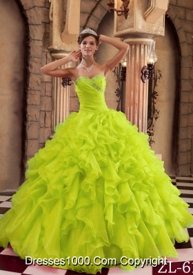 Lime Green Princess Sweetheart Quinceanera Dresses with Organza Ruffles