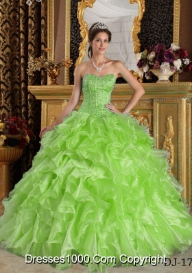 Lime Green Sweetheart Organza Quinceanera Gowns with Beading and Ruffles