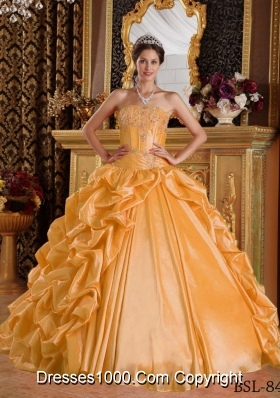 Sweetheart Taffeta Emboridery and Beading Quinceanera Dresses with Pick-ups