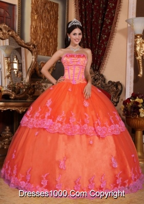 Orange Red Puffy Strapless Organza Sweet 15 Dresses with Appliques
