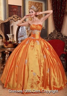 Orange Red Puffy Strapless Quinceanera Gowns with Appliques